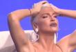"""ФОТО: Карлеуша дојде во бикини на снимањето на """"Гранд"""""""