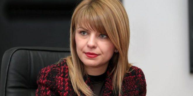 Лукаревска: Згорзена сум, од лажни профили шират лаги и го оцрнуваат моето име