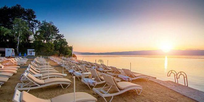 СПЕЦИЈАЛЕН ПОПУСТ во ХОТЕЛИТЕ во Охрид и Струга за граѓаните на оваа соседна земја