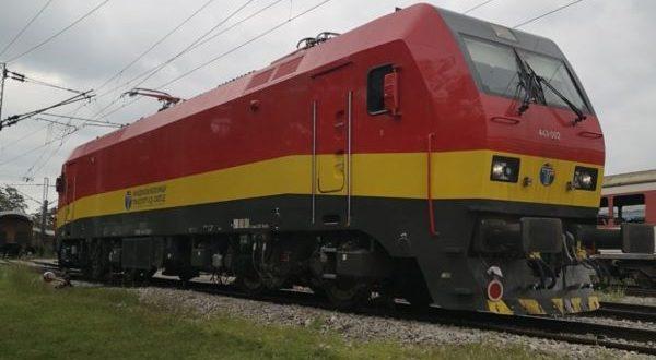 Се запали локомотива на Железничка станица во Скопје